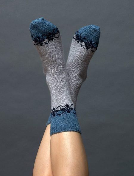 Plassard 160 23 Mönsterstickade sockor